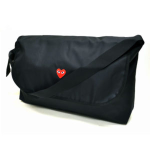 Play -Red-heart-shoulder-bag