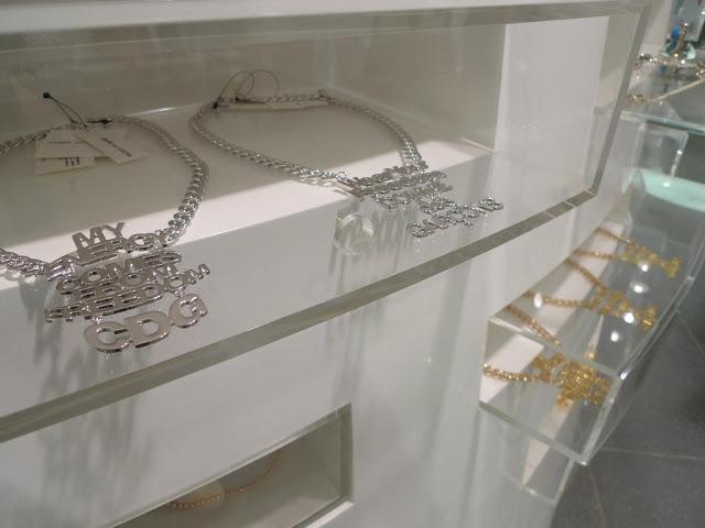 aoyama-cdg-necklace-platinum